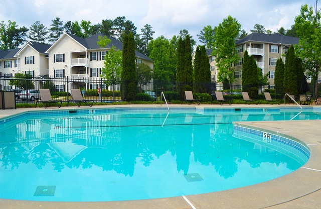 Scarlett Place Apartments Pool